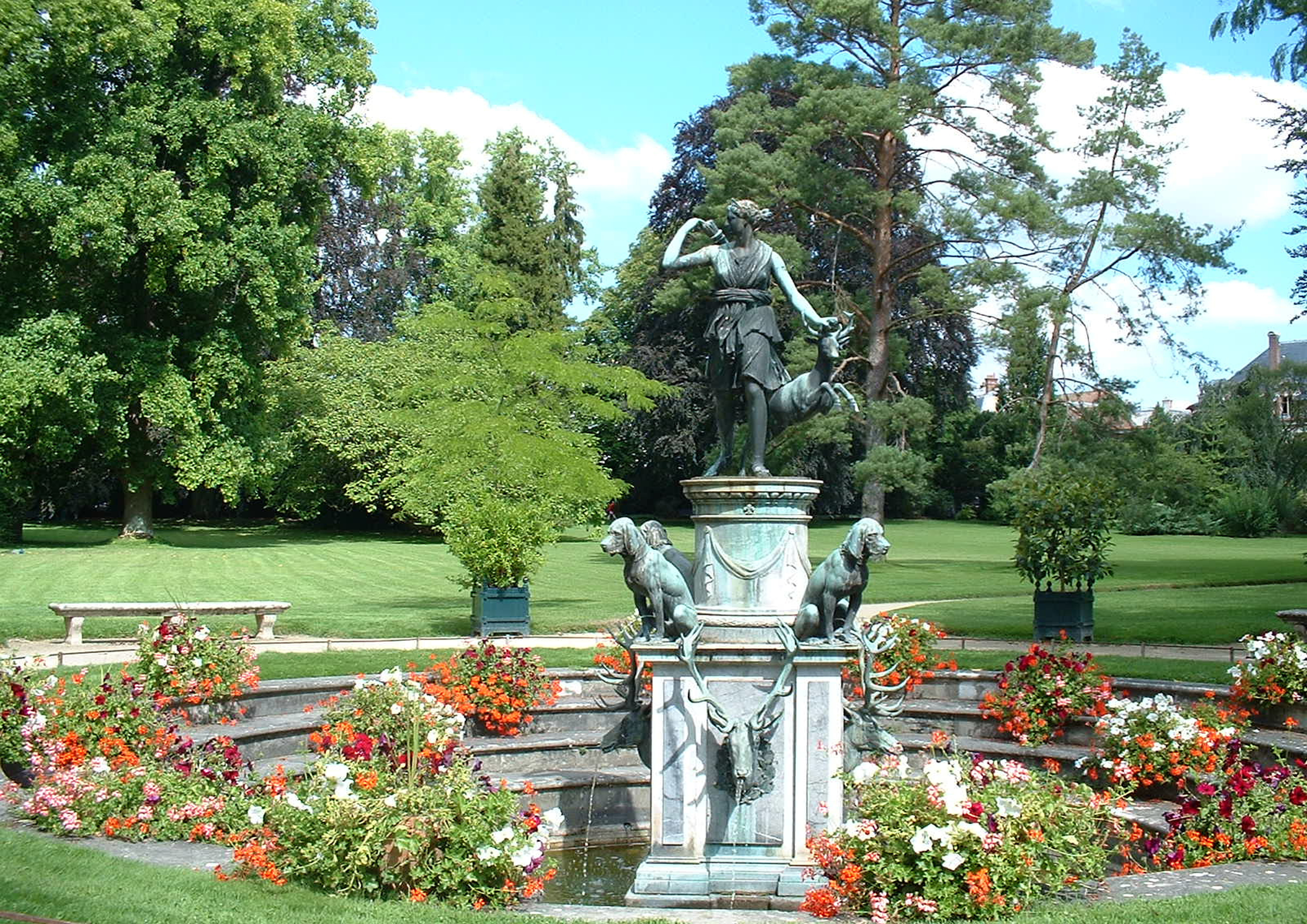 Jardins fleuris visiter blog de fontainebleau for Jardin anglais chateau fontainebleau
