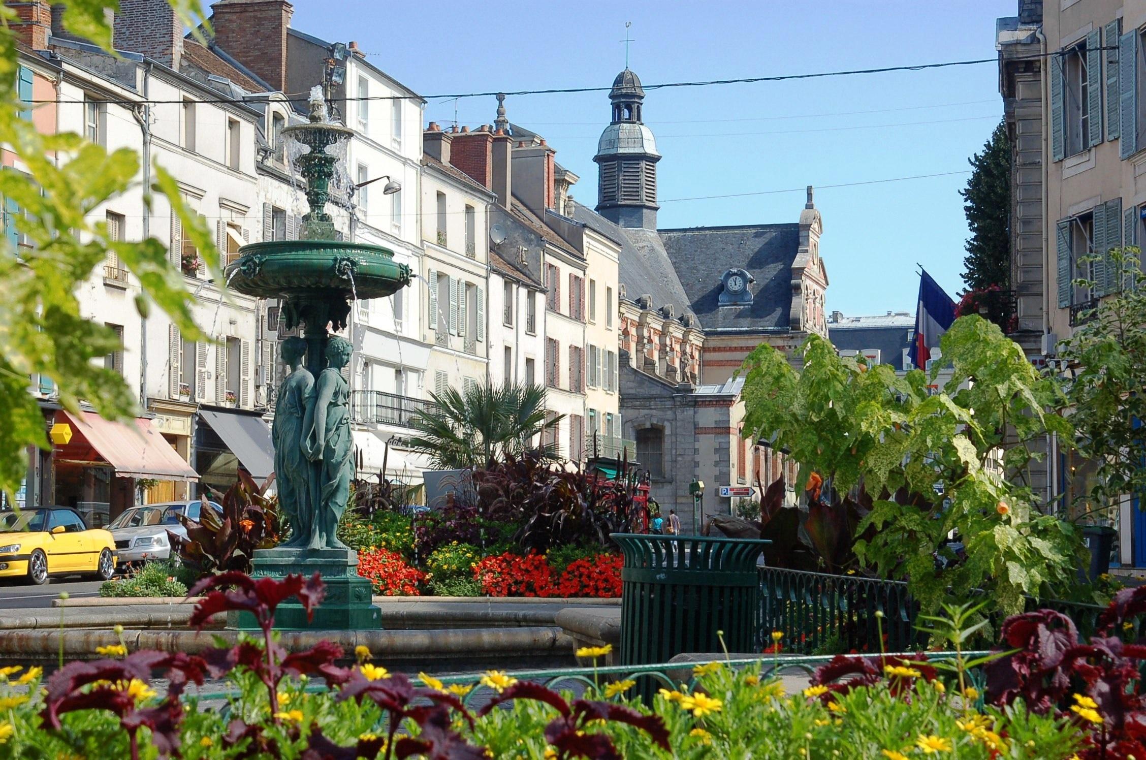 Visitez fontainebleau avec des tapes gourmandes blog for Piscine fontainebleau
