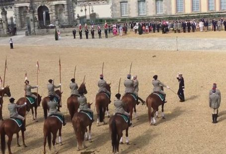 Tradition militaire et équestre à Fontainebleau. Une belle semaine avec le championnat d'Europe Jeunes…