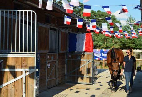 Le championnat d'Europe Longines jeunes cavaliers se prépare. Les cavaliers de toute l'Europe prennent…