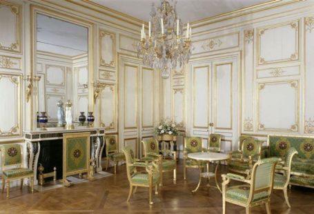 Royauté et traditions. Découvrez une interprétation du célèbre Fontainebleau et soyez audacieux pour Noël.…