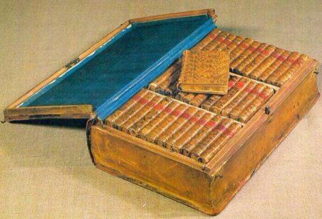 #Napoléon était définitivement en avance sur son temps! Découvrez son Kindle Personnel! #Impérial!