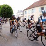 Départ de la course Paris-Nice Cyclo 2017, ce matin, à Fontainebleau. Fontainebleau tourisme souhaite…