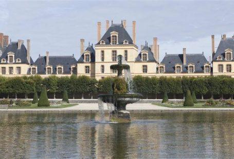 Fontainebleau Tourisme shared Château de Fontainebleau's photo