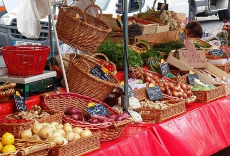 Marché Gastronomique à Samois-sur-Seine, ce lundi 1er mai. Présentation ET dégustation de produits locaux.…