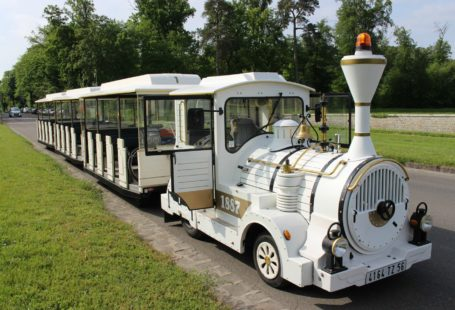 Le petit #train du #château est de retour ! Vous pouvez monter à bord…
