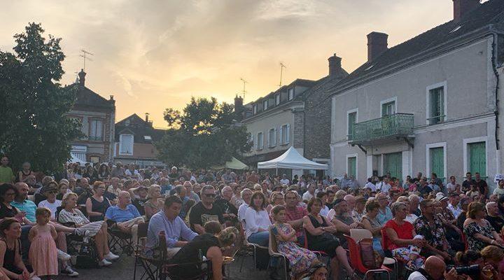 Le festival Django Reinhardt s'est ouvert à Samois-sur-Seine, village affectionné par l'artiste. Des concerts…