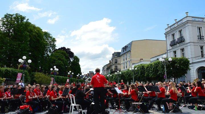 Les concerts donnés par 3500 jeunes étudiants américains et mis en place par l'organisation…
