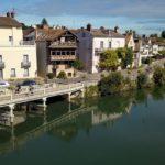 Balades romantiques en bord de Connaissez-vous Samois-sur-Seine ? Un village au charme poétique. Découvrez…